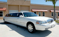 White Stretch Lincoln Limo