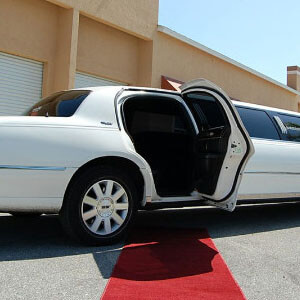 Lincoln Stretch Limo Service