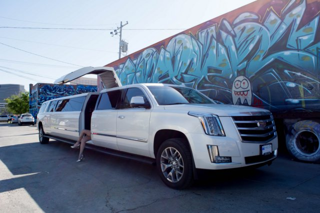 Charter Bus Tempe, AZ Escalade Stretch White 16 Passenger #12233