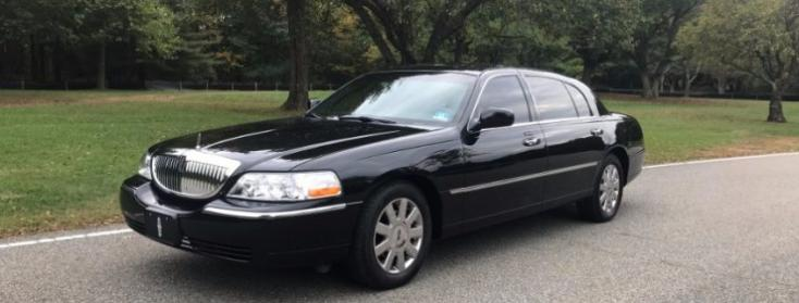 Party Bus Rental Sun City, AZ Lincoln Town Car Black 4 Passenger #12942
