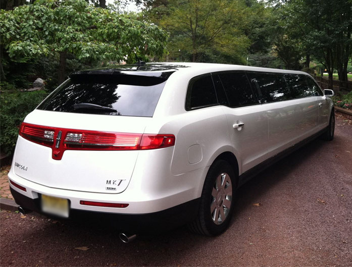 Charter Bus Tucson, AZ Lincoln MKT Stretch White 8 Passenger #14610