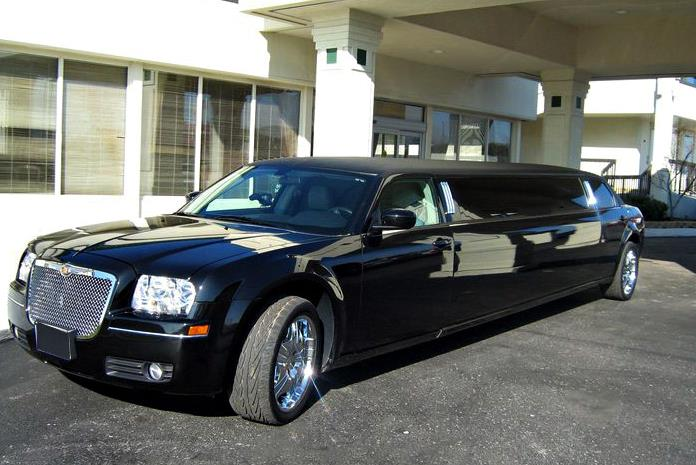 Charter Bus Gilbert, AZ Chrysler 300 Black 10 Passenger #15938