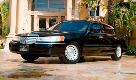 Charter Bus Kingman, AZ 4 Passenger Lincoln Town Car