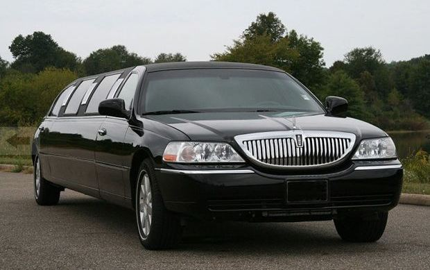 Charter Bus Kingman, AZ 8 Passenger Black Lincoln Stretch Limousine