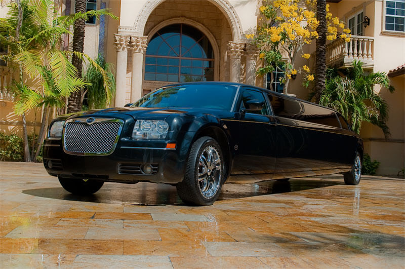 Party Bus Rental Tucson, AZ Chrysler 300 Black 12 Passenger #5143